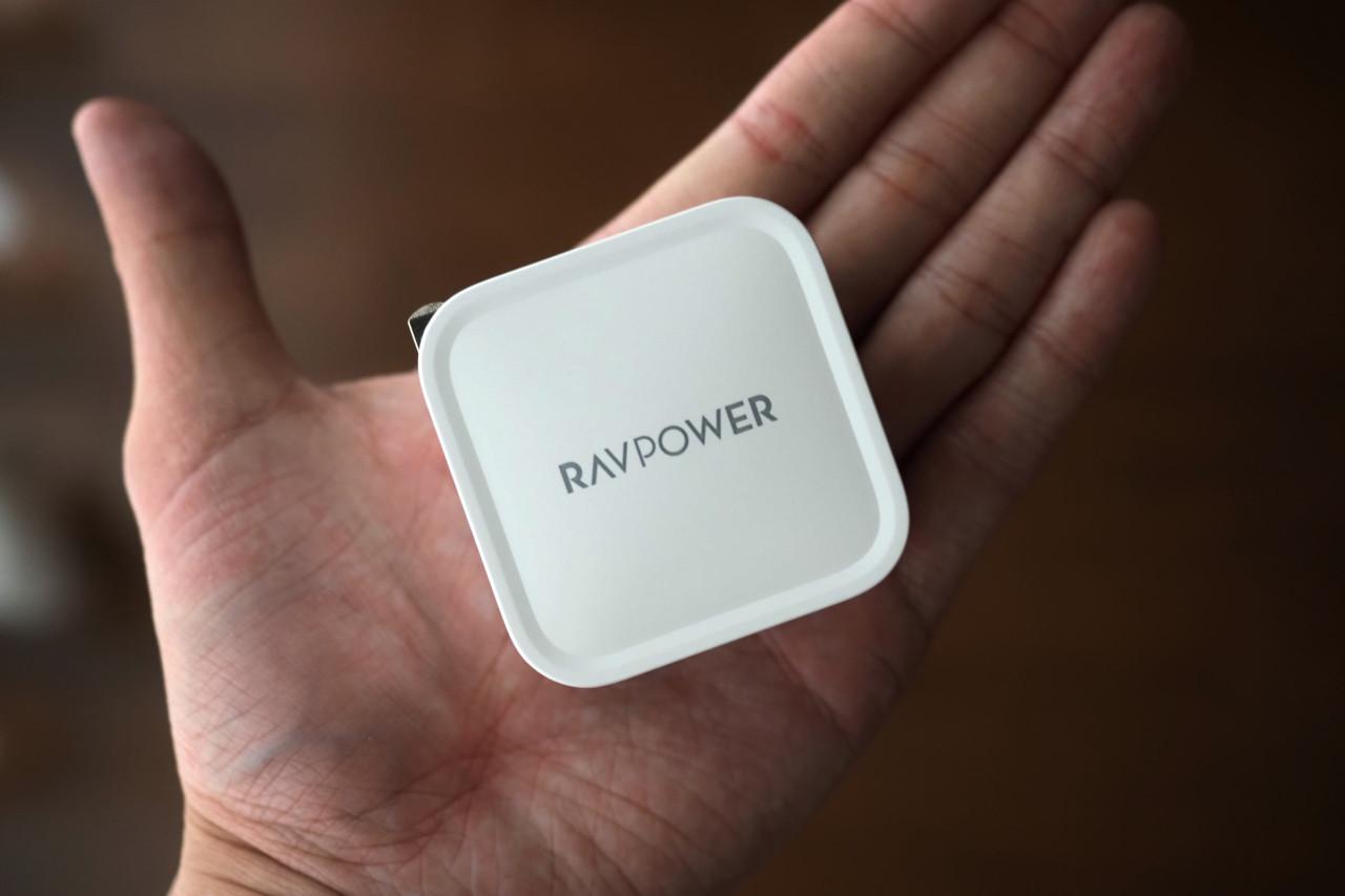 MacBook,充電,ラブパワー,61W,ガジェット,USB-C,手のひらサイズ,おすすめ