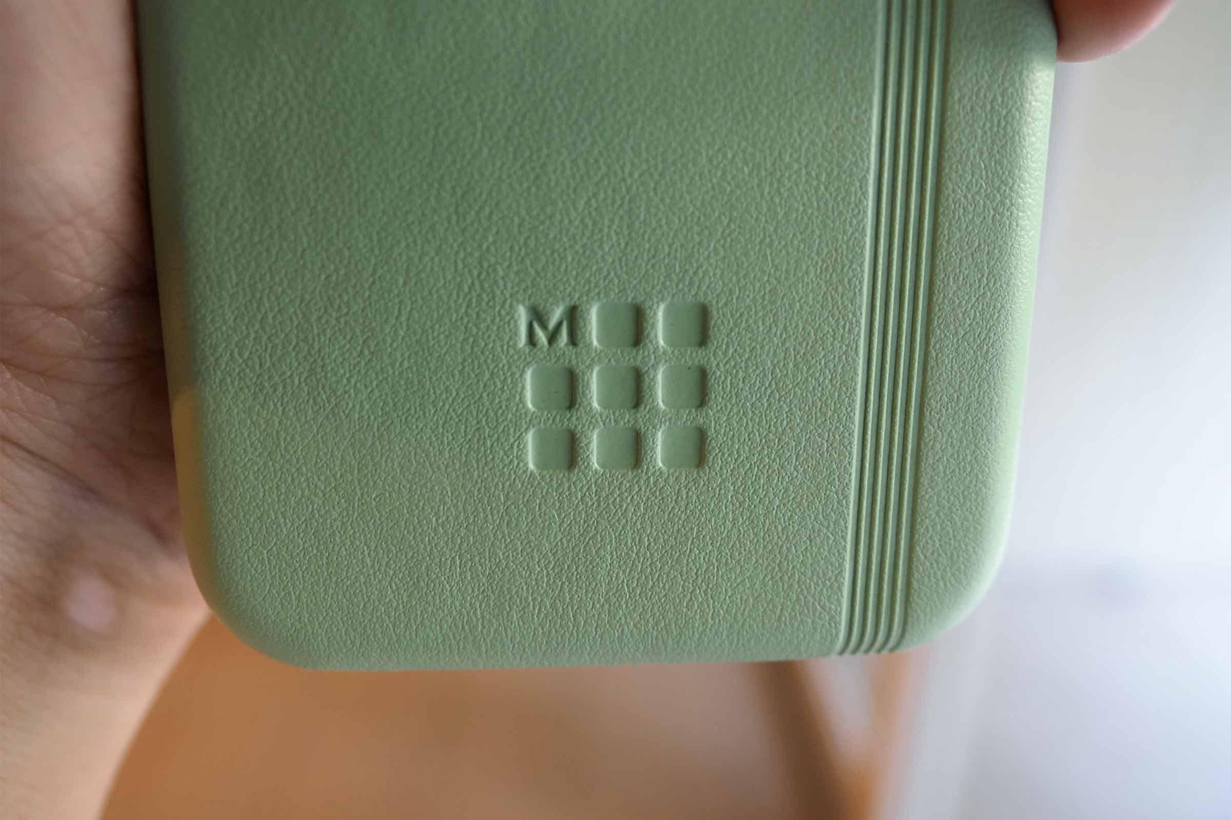 iPhoneケース,iPhone SE2カバー,iPhone8,アクセサリー,モレスキン,お洒落,可愛い,ロゴ