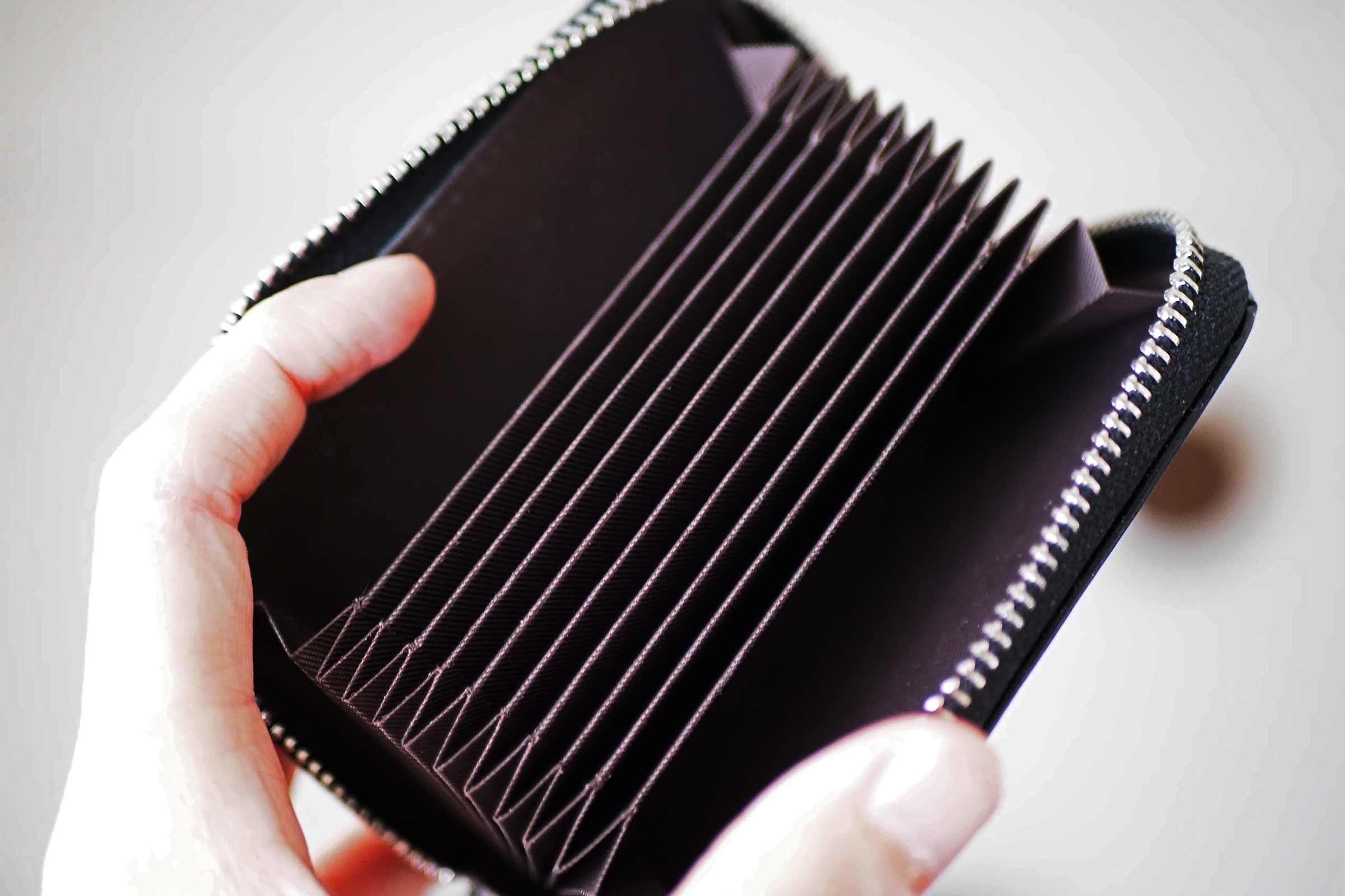 カードケース,ZAKLE,クレジットカード,本革,レザー,大容量,ポケット