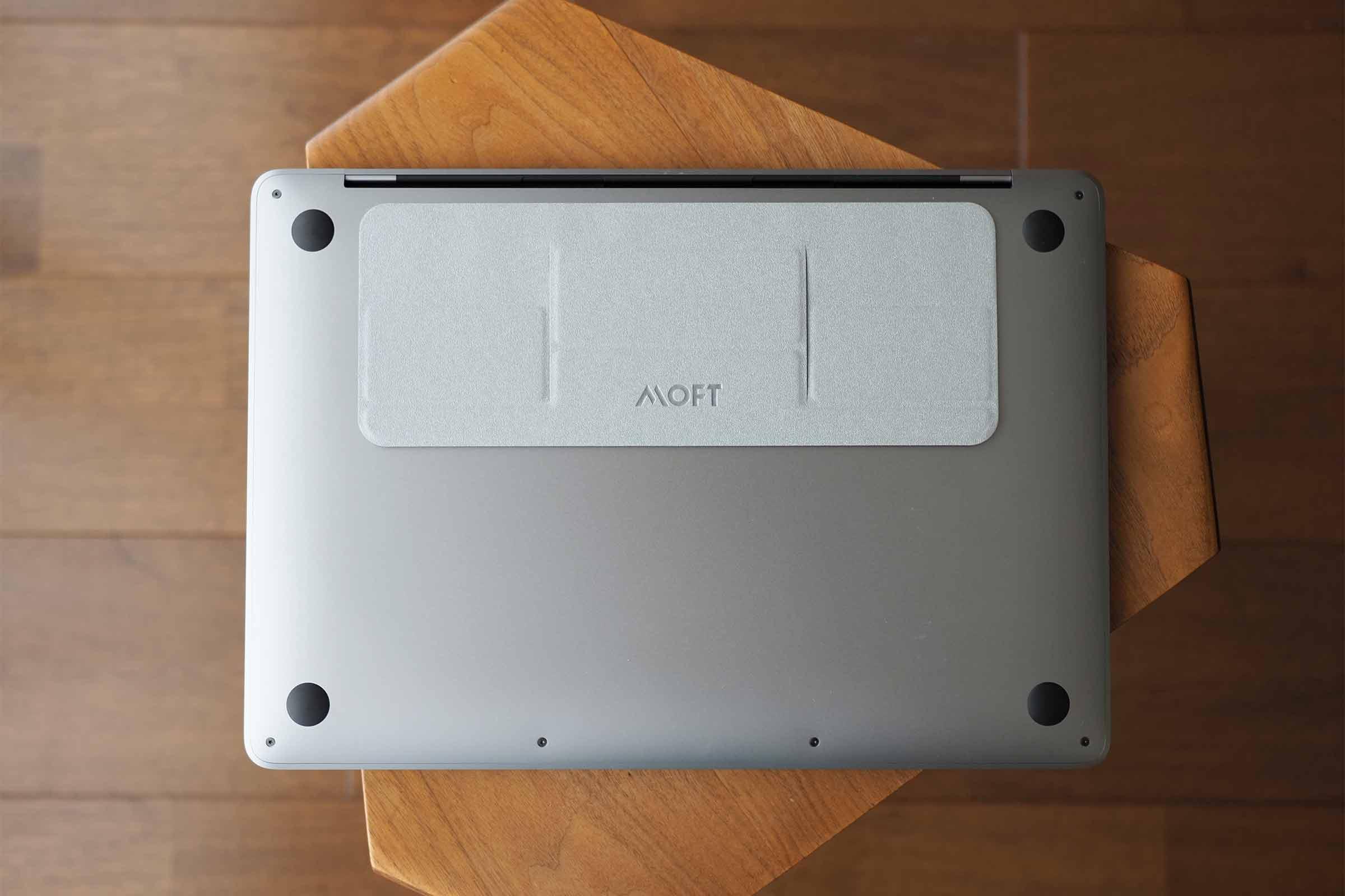 moft,MOFTmini,PCスタンド,パソコンスタンド,クラウドファンディング,薄い,安い,コスパ,気にならない