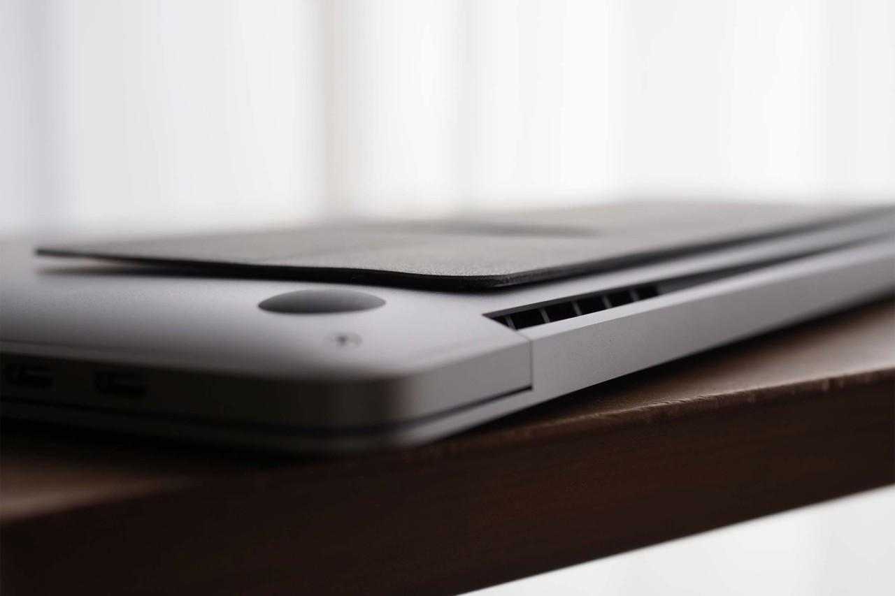 moft,MOFTmini,PCスタンド,パソコンスタンド,クラウドファンディング,薄い,安い,コスパ,3mm