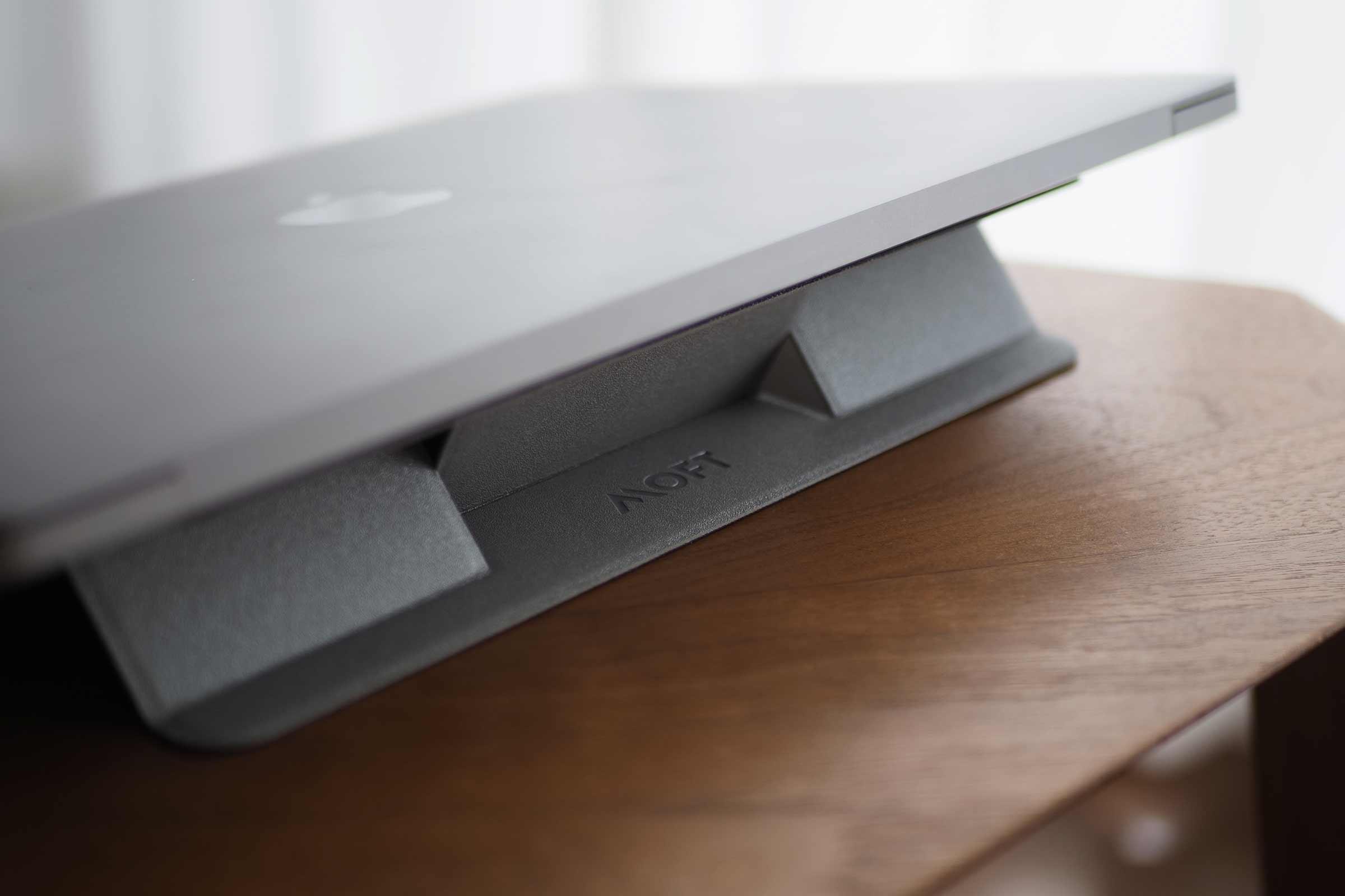 moft,MOFTmini,PCスタンド,パソコンスタンド,クラウドファンディング,薄い,安い,コスパ,角度