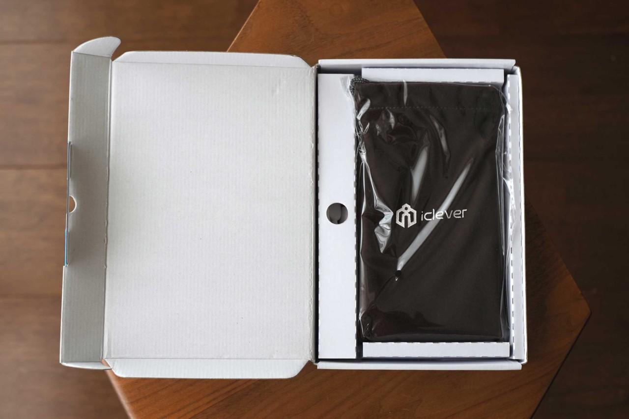 iclever,Bluetoothキーボード,iPad,iPad mini,コンパクト,薄い,安い,タッチパッド,軽い,梱包