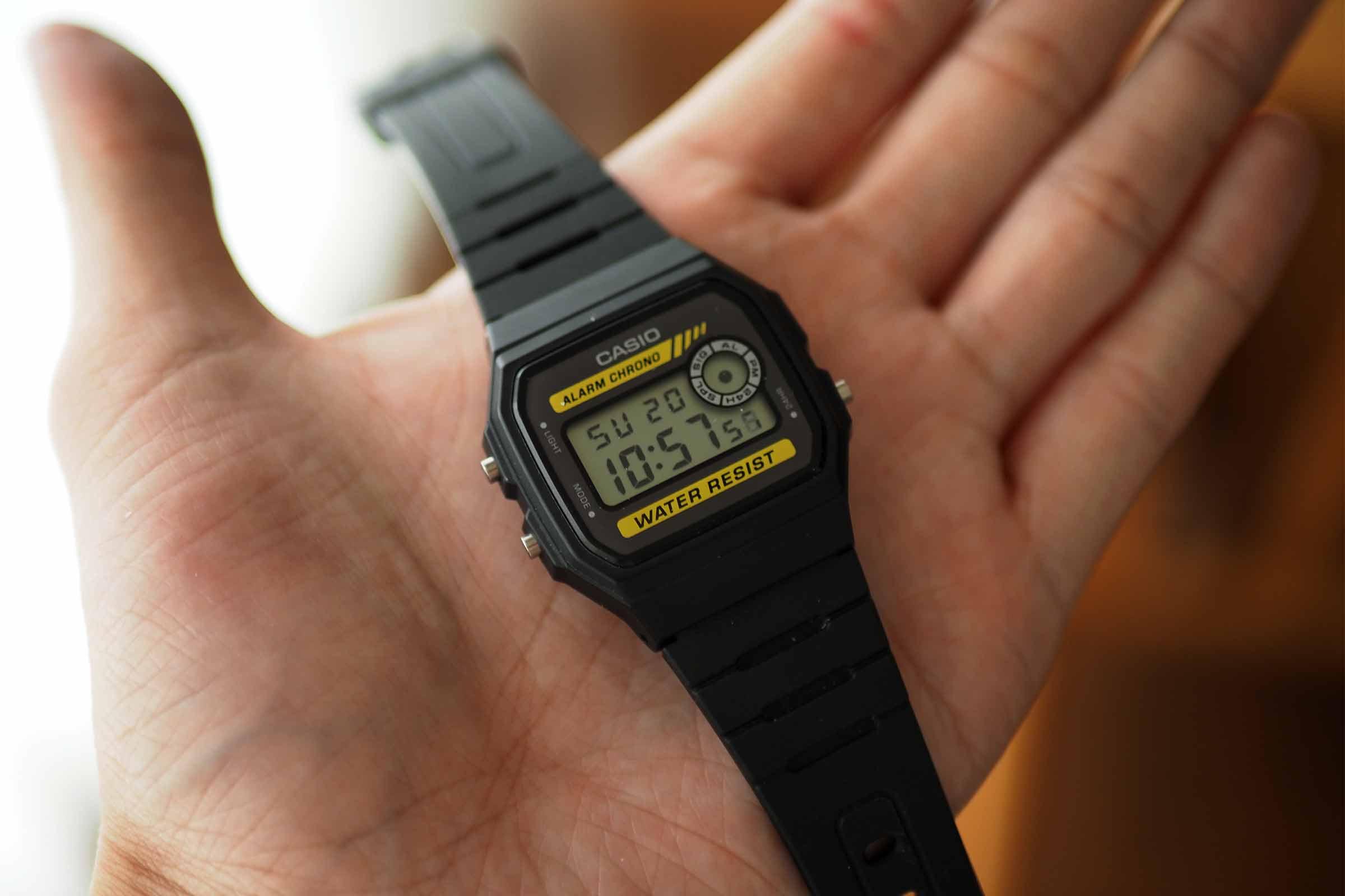 腕時計,カシオ,casio,お洒落,安い,かっこいい,軽い