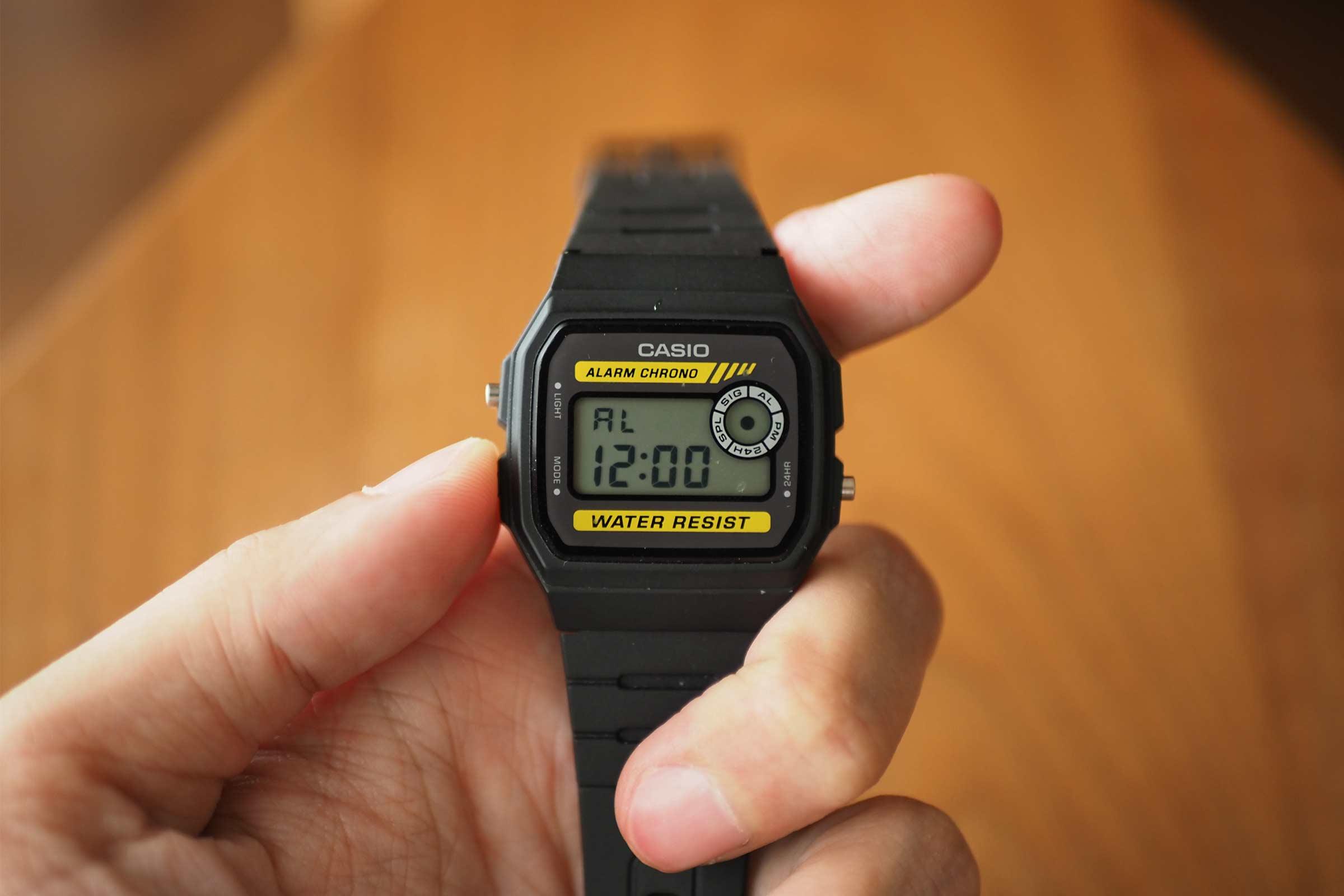 腕時計,カシオ,casio,お洒落,安い,かっこいい,アラーム