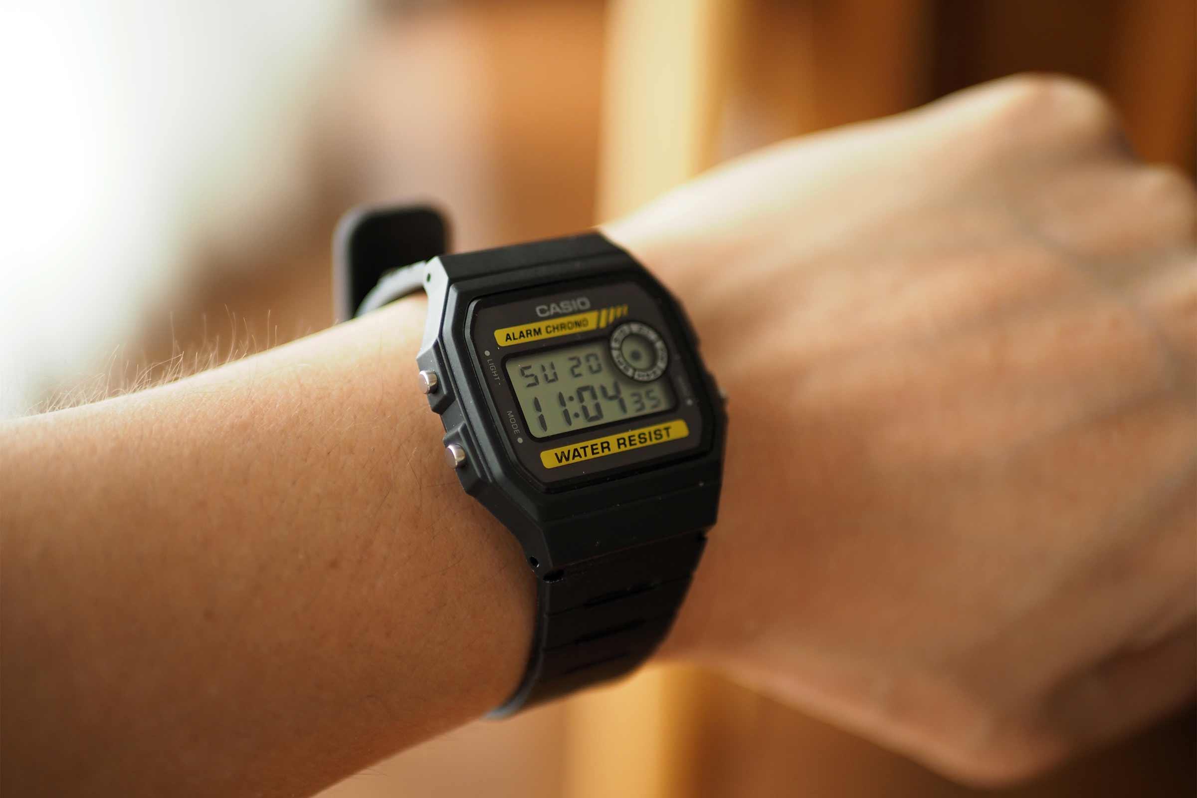 腕時計,カシオ,casio,お洒落,安い,かっこいい,普段使い