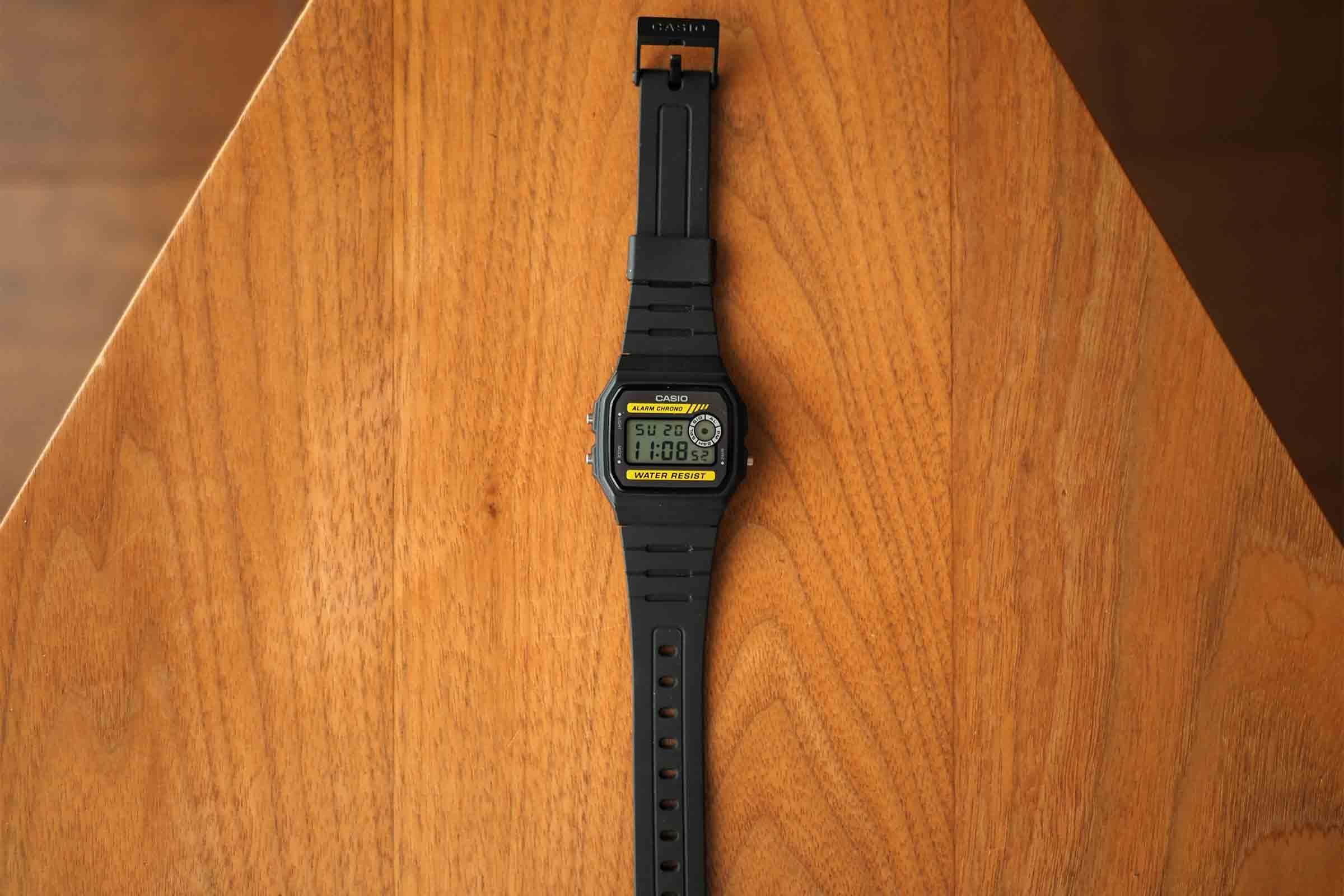 腕時計,カシオ,casio,お洒落,安い,かっこいい,シンプル