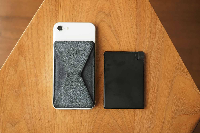 モバイルバッテリー,スマホ,軽量,薄い,小さい,コンパクト,iPhone