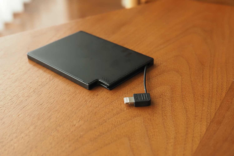 モバイルバッテリー,スマホ,軽量,薄い,小さい,コンパクト,簡単