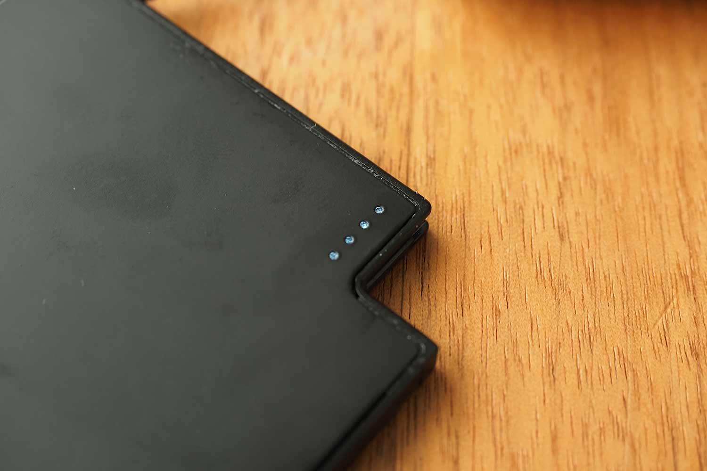 モバイルバッテリー,スマホ,軽量,薄い,小さい,コンパクト,緊急用