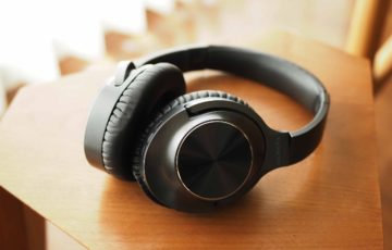 ワイヤレスイヤホン,ワイヤレスヘッドホン,vankyo,ノイズキャンセリング,音質,高音質,低音,安い,軽い