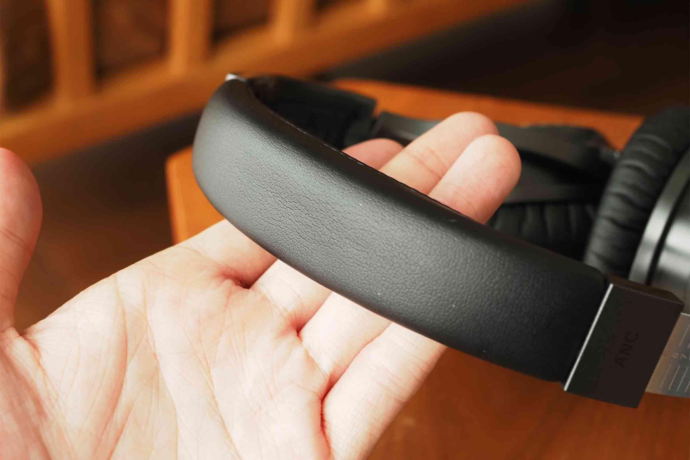 ワイヤレスイヤホン,ワイヤレスヘッドホン,vankyo,ノイズキャンセリング,音質,高音質,低音,安い,ブラック
