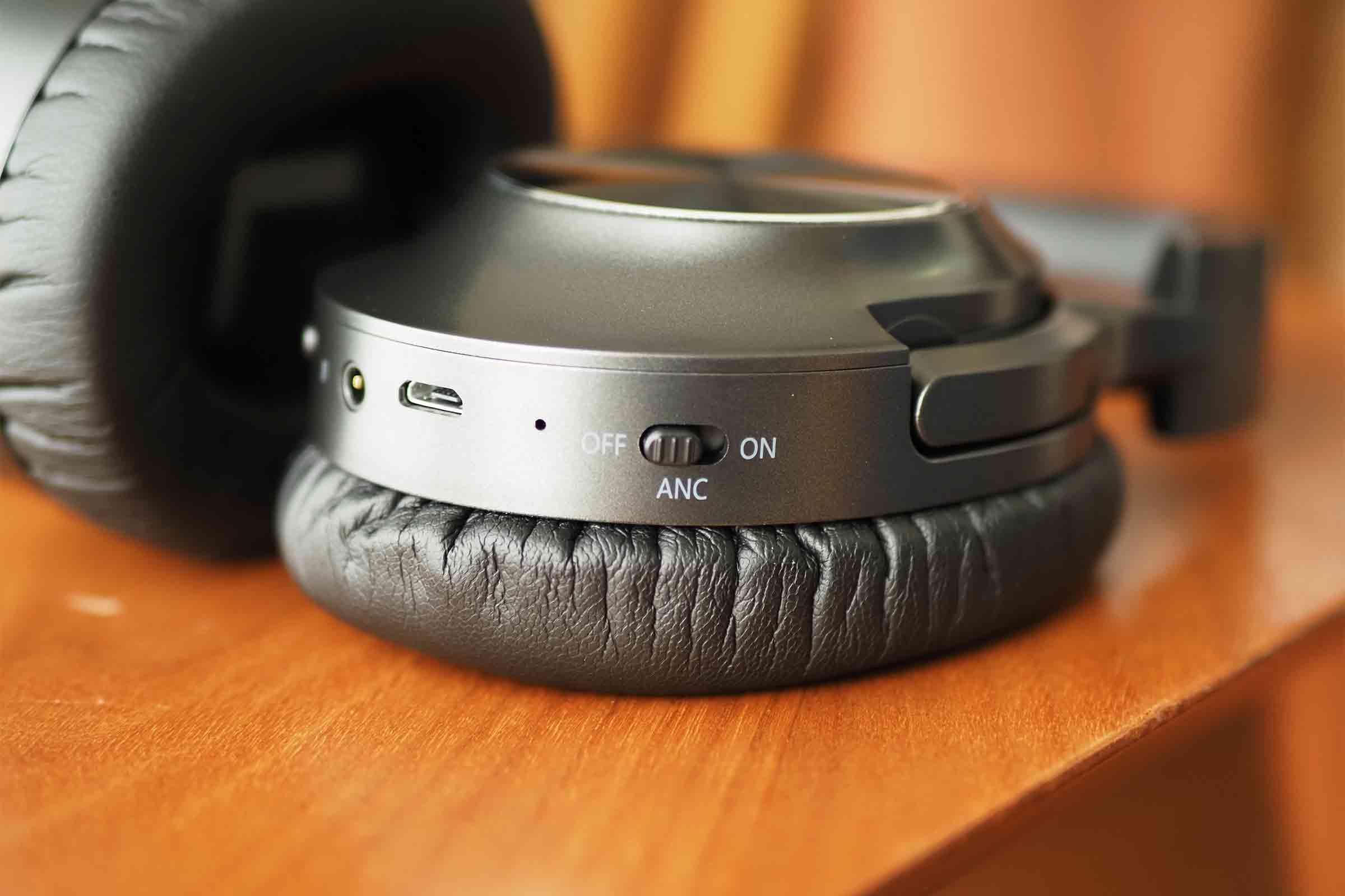 ワイヤレスイヤホン,ワイヤレスヘッドホン,vankyo,ノイズキャンセリング,音質,高音質,低音,安い,電源