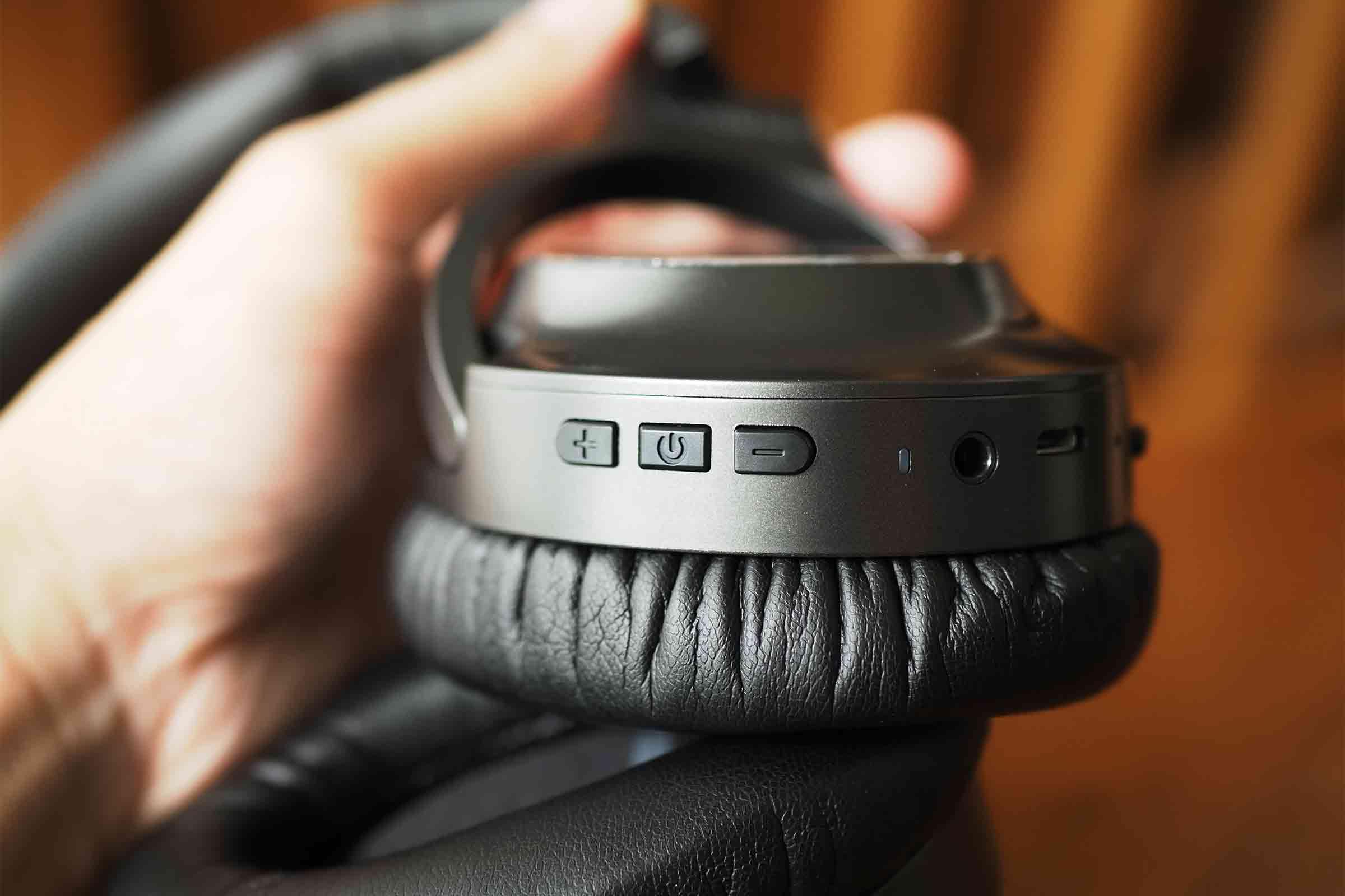 ワイヤレスイヤホン,ワイヤレスヘッドホン,vankyo,ノイズキャンセリング,音質,高音質,低音,安い,音量