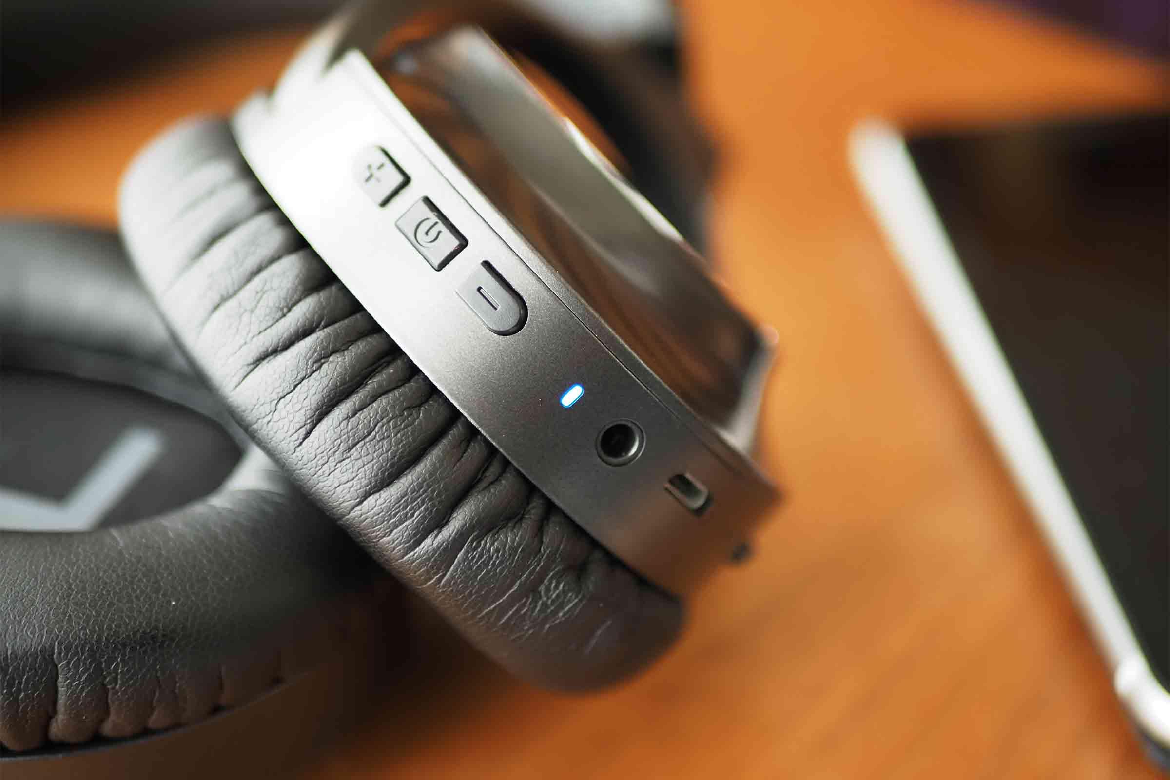 ワイヤレスイヤホン,ワイヤレスヘッドホン,vankyo,ノイズキャンセリング,音質,高音質,低音,安い,短い