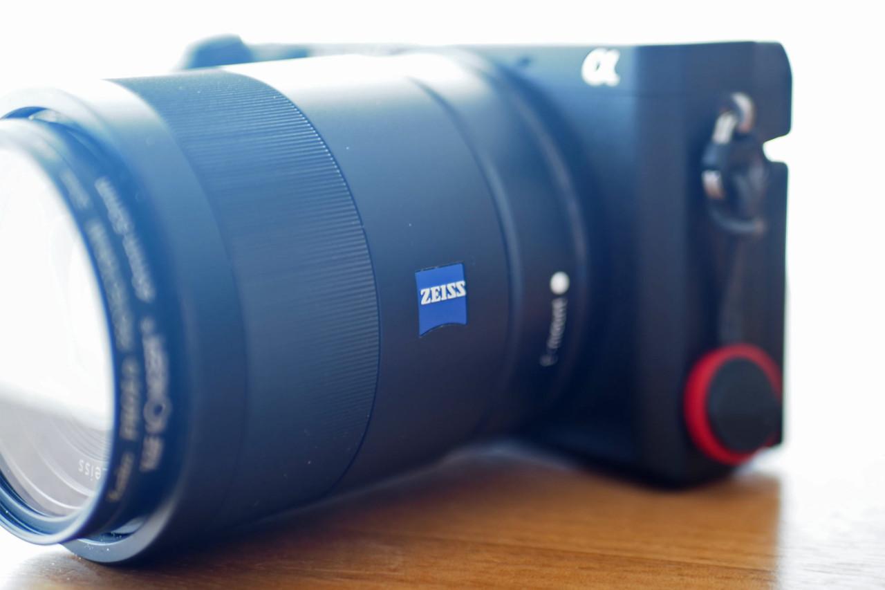 ソニー,sony,apsc,単焦点,24mm,f1.8,Zeiss,明るい