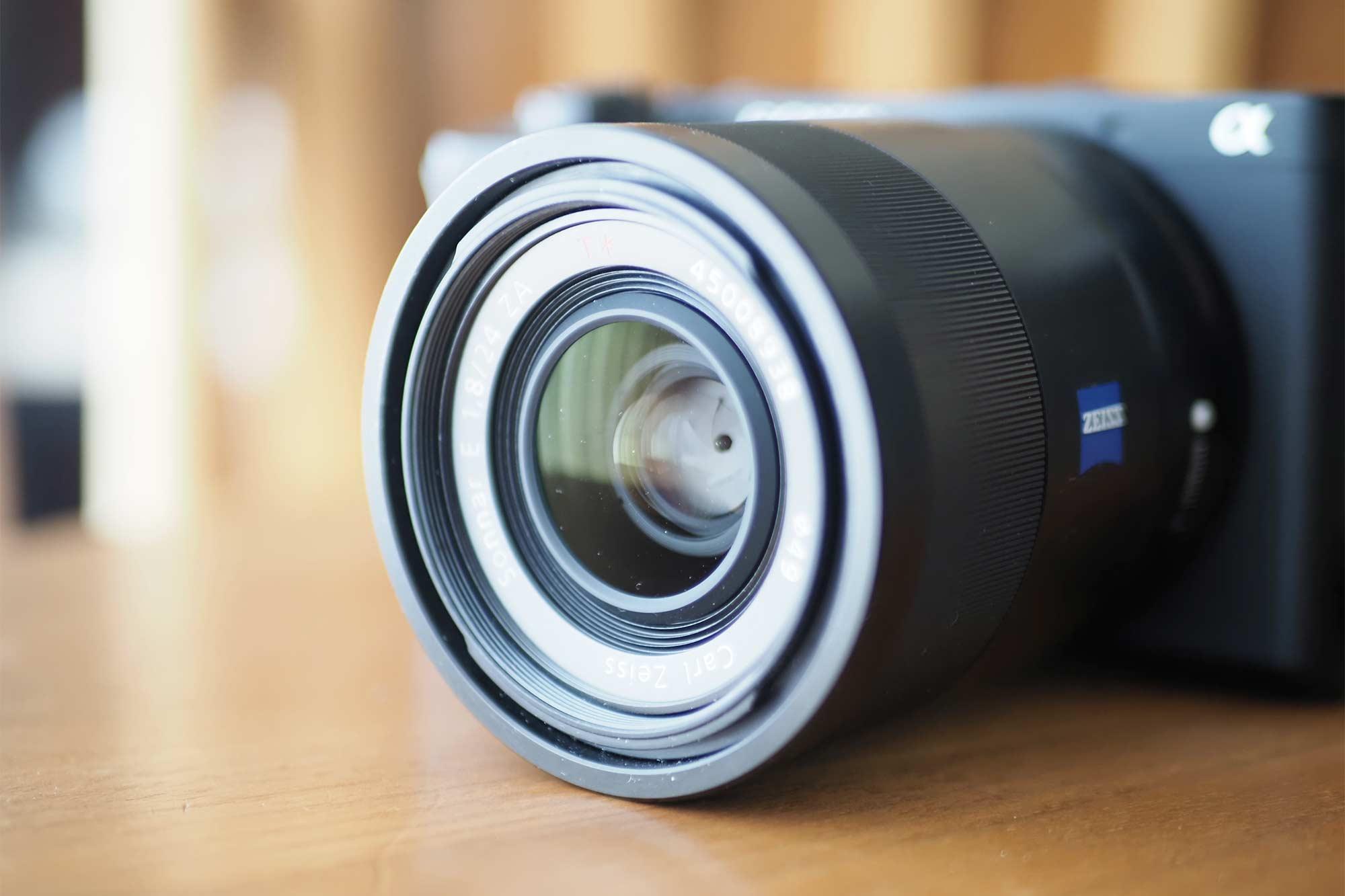 ソニー,sony,apsc,単焦点,24mm,f1.8,Zeiss,フィルター径49mm