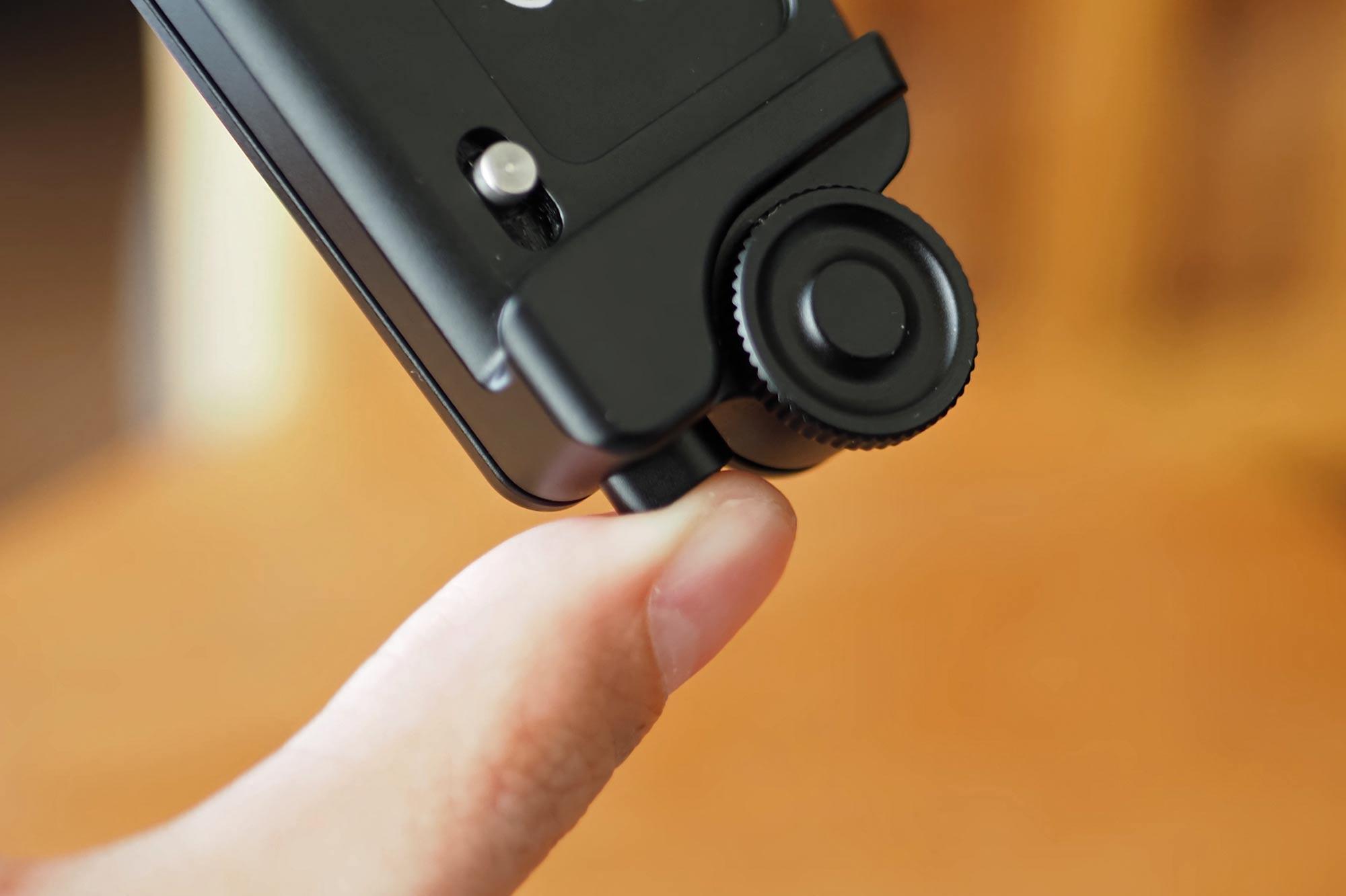 カメラホルスター,SWFOTO,ミラーレス一眼,一眼レフ,安い,コスパ,軽い,外しやすい