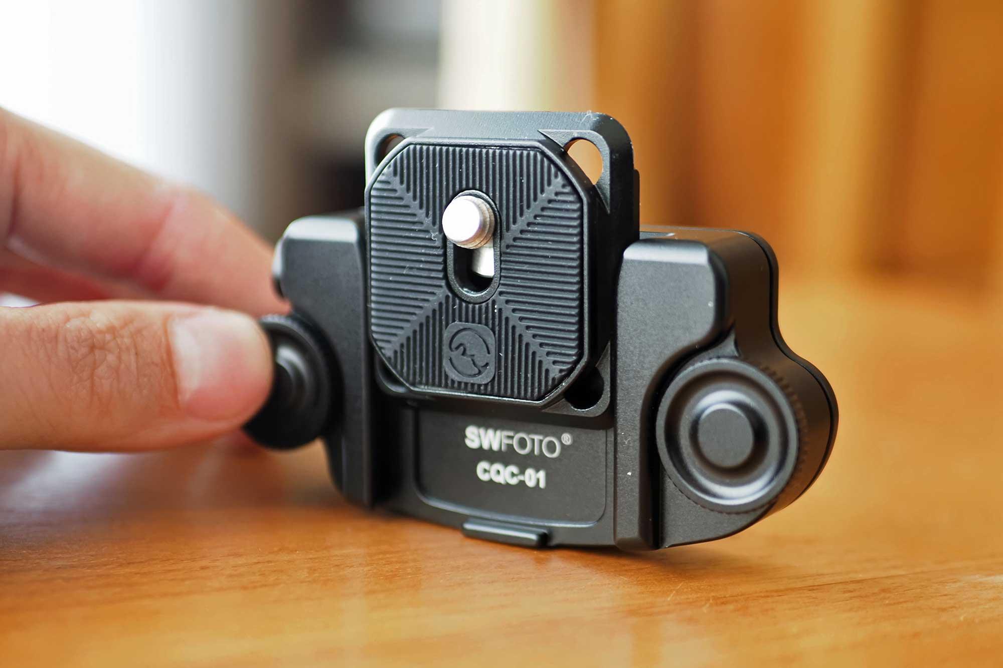 カメラホルスター,SWFOTO,ミラーレス一眼,一眼レフ,安い,コスパ,軽い,アルカスイス