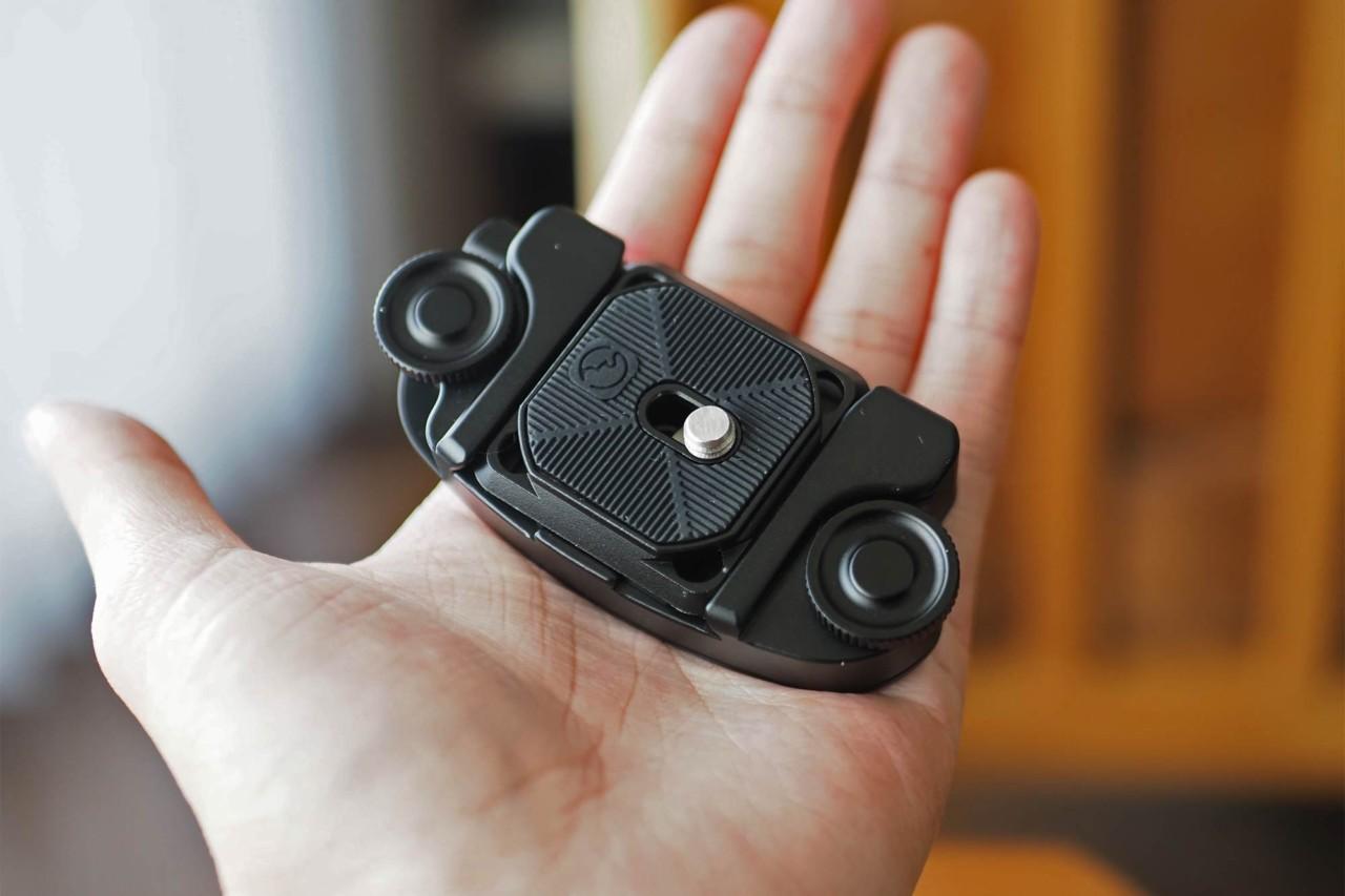 カメラホルスター,SWFOTO,ミラーレス一眼,一眼レフ,安い,コスパ,軽い,コンパクト