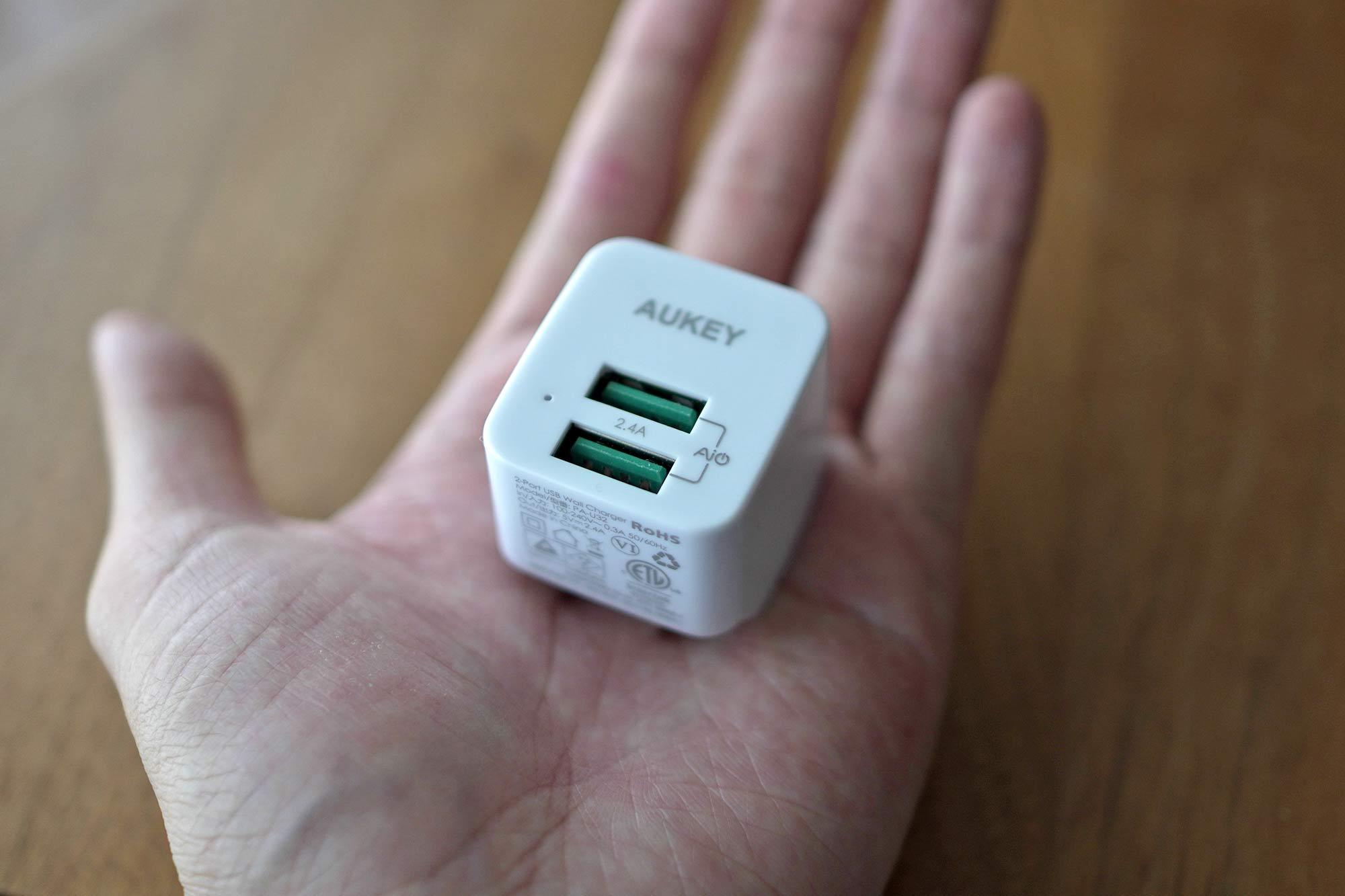 AUKEY,オーキー,充電器,急速充電,USB,2ポート,小型,軽量,軽い