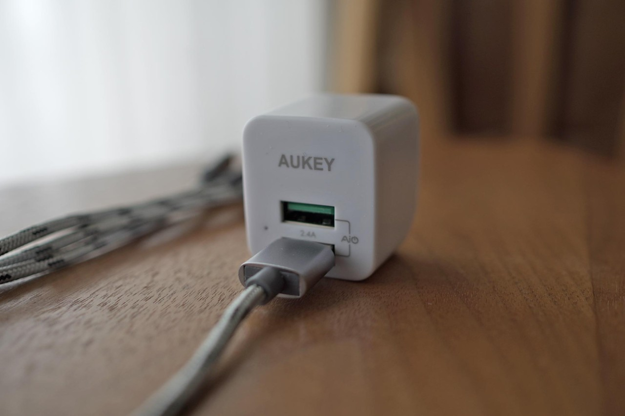 AUKEY,オーキー,充電器,急速充電,USB,2ポート,小型,軽量,簡単