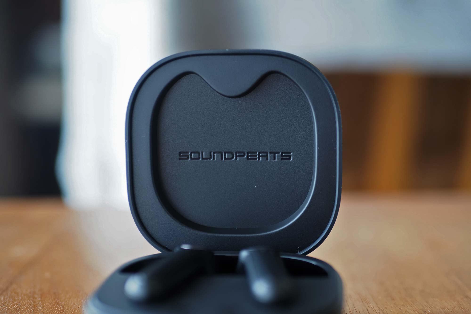 ワイヤレスイヤホン,サウンドピーツ,trueair2,soundpeats,ノイズキャンセリング,高音質,通話,安い,コスパ,ケース