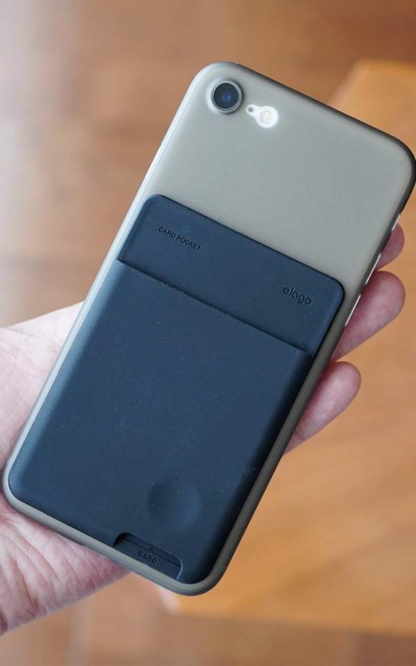elago,背面ポケット,カードホルダー,カードポケット,お洒落,使いやすい,安い,コンパクト