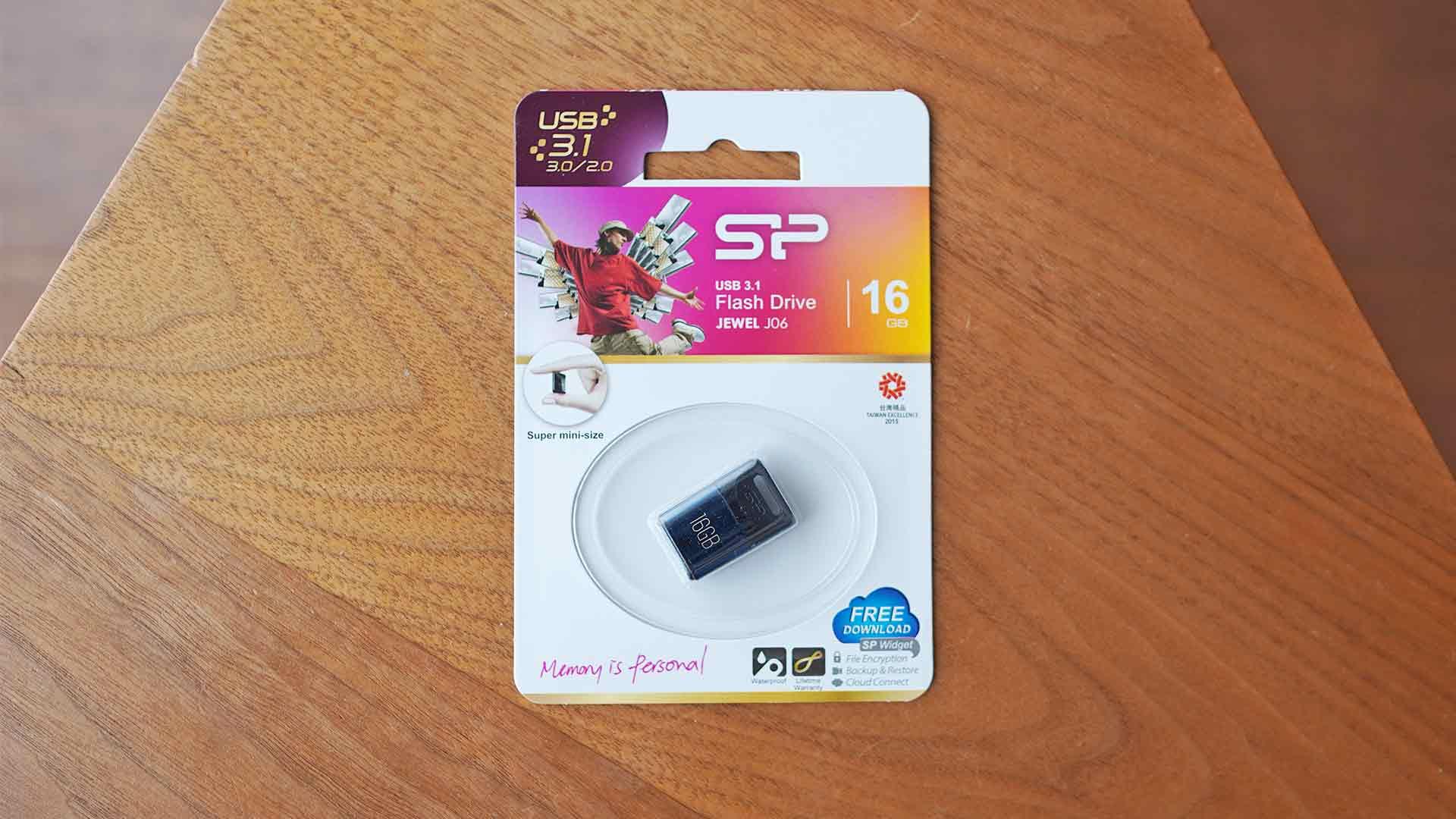 USBメモリー,シリコンパワー,小さい,コンパクト,軽い,安い,J06